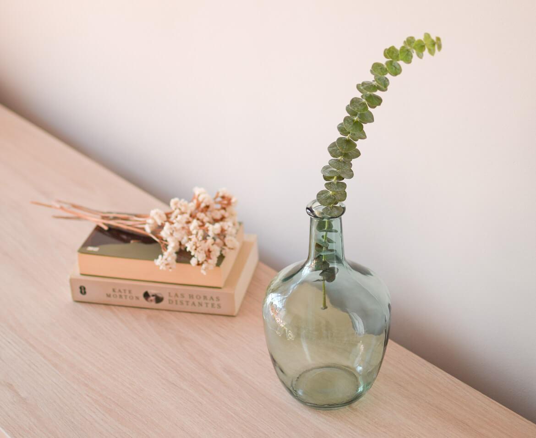 damajuana-verde-con-eucalipto-gunnii