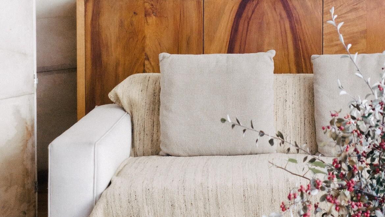 sofa-cojines-beige