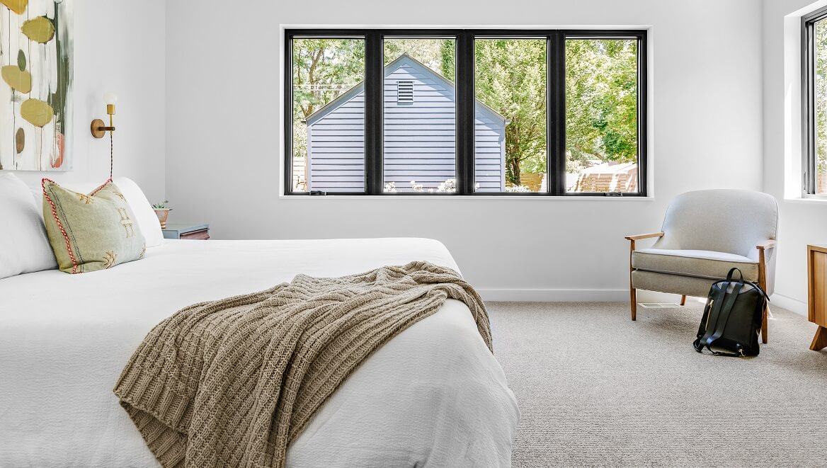 Diez formas de colocar un plaid en tu salón o dormitorio