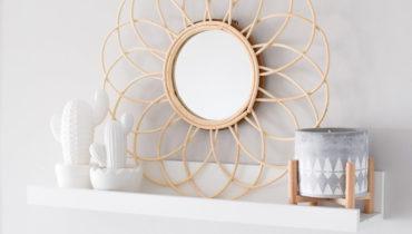 Decoración con espejos de fibras naturales